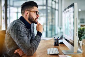 Afinal, o que costuma melhorar a tomada de decisões das empresas?